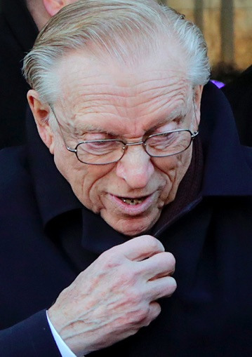 Crime & Coverups: Larry Silverstein Has Admitted His Involvement In 9/11, Why Is He Not In Jail?